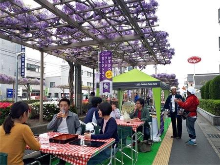 埼玉县春日部市开设藤萝架下的咖啡厅