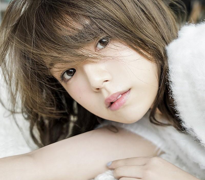 日本艺人篠崎爱可爱的拍摄花絮限定公开