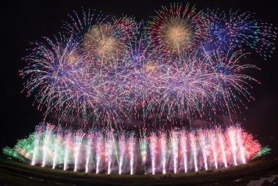 8月11日东京烟火大会开幕 世界顶级烟火师聚集台场