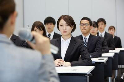 日本调查显示 想做副业的新员工占比接近6成
