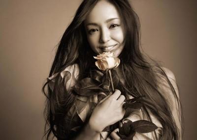 """日本歌手安室奈美惠上榜""""理想妈妈""""榜单"""