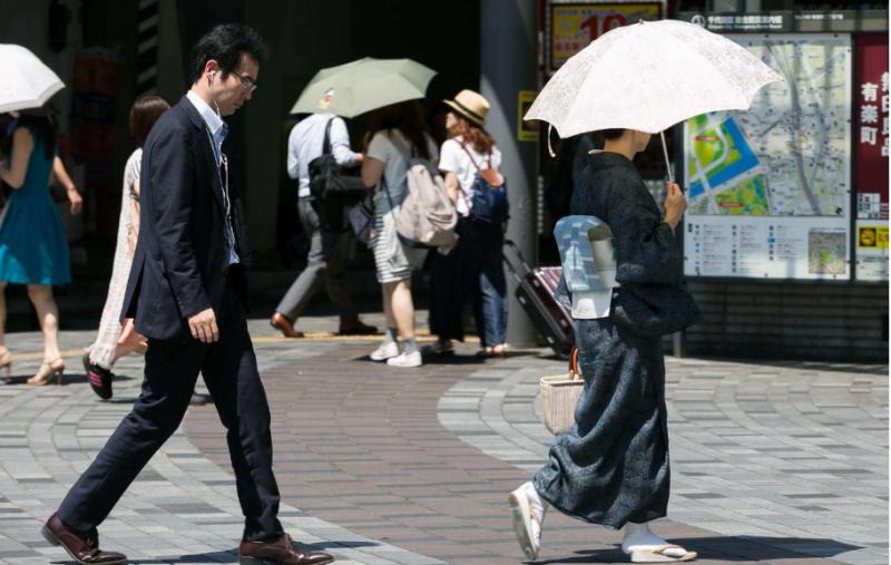 日本各地持续高温 已造成4人死亡