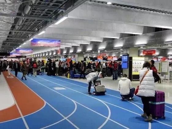 日本成田机场迎来回国高峰 高速也将变得拥堵