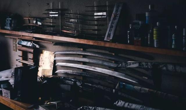日本有一位传奇刀匠,打一把刀的起步价是400万日元