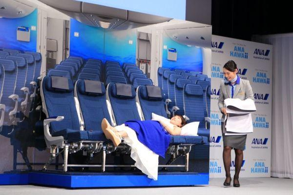 全日空A380宣传片上线 绫濑遥发布会现场体验飞机座椅