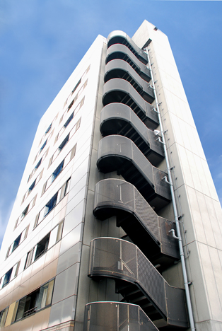 PCarakawa03_building.jpg