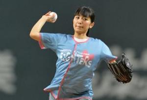 歌手miwa首次参加日本火腿-orix棒球比赛的开球仪式