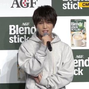 """第三代J Soul Brothers成员岩田刚典出席新CM发布会 被组合成员""""嘲笑"""" ... ..."""