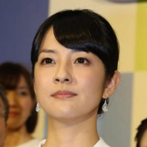 日本电视台NHK播音员铃木奈穗子因身体不适休养