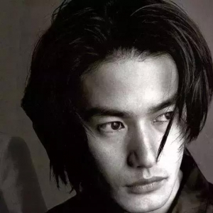 比木村拓哉还帅的男人分手后,整个日本疯狂了:他是我最想嫁的人 ... ... ...