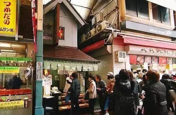 """日本最""""抠""""餐馆,3平米小店年盈利3亿,老板:这2字是精髓"""