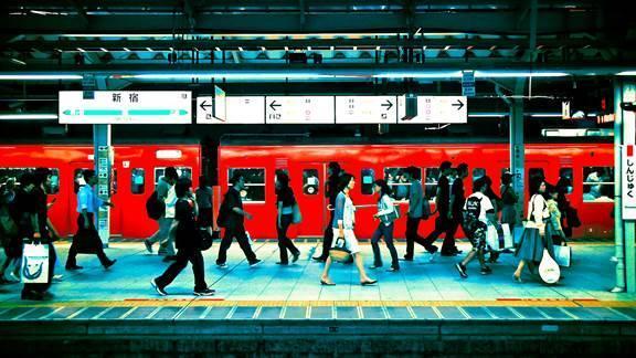 """日本""""傍晚经济""""兴起:早下班催生出的新消费形态"""