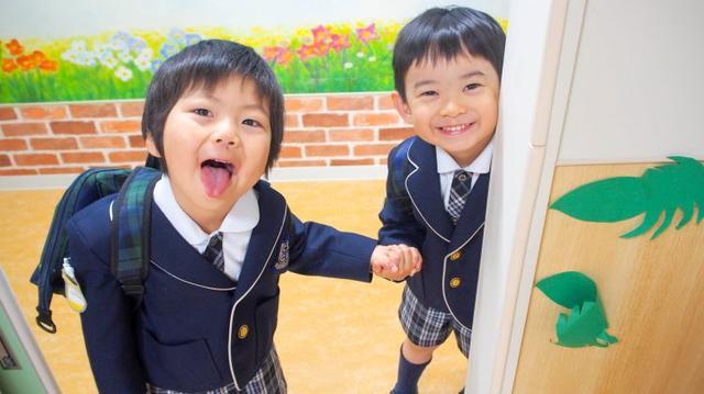 """日本一位华人男孩面临的""""虐待""""与""""歧视"""""""