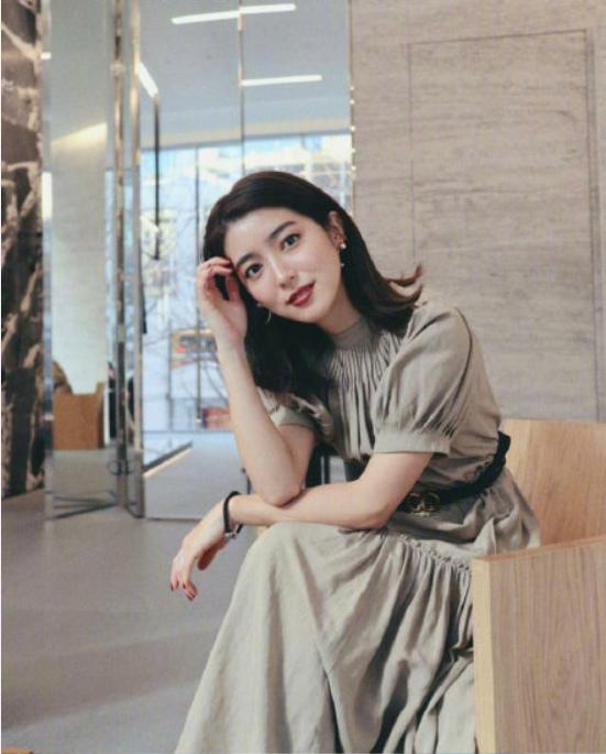 都说日本女人穿衣很精致,那是她们知道,得体的穿搭比美貌更重要