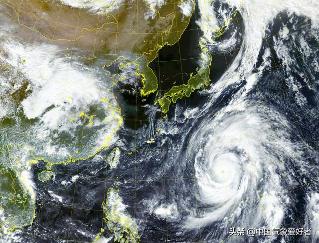 台风海贝思眼壁置换完成,巨大风眼如血盆大口!日本这次要小心了