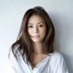 她是日剧女王,前男友是小室哲哉,嫁大24岁老公,连生二儿成赢家 ...
