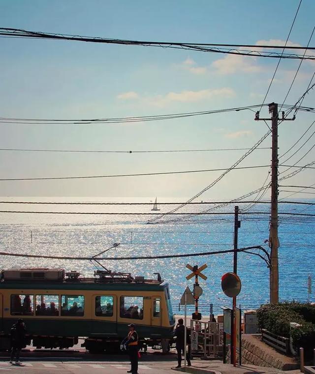 日本最好看的海,都藏在这些车站里