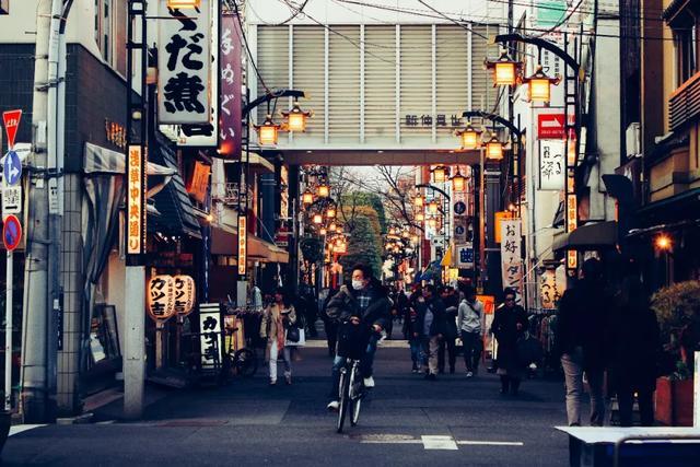 为什么日本满大街都是戴口罩的?