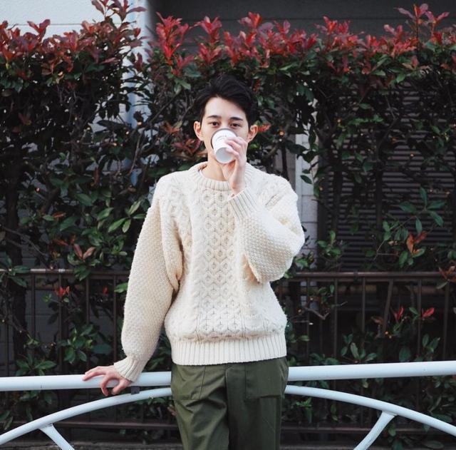 从未见过如此绅士又可爱的穿搭博主,堪称东京咖啡旅行活地图