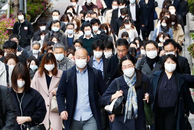 5月开始,日本向民众发放10万日元,旅日外国人也有份,疫情升级