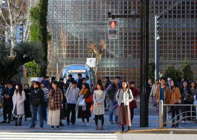 """真正的移民大国:日本移民的""""收入""""与""""支出"""""""