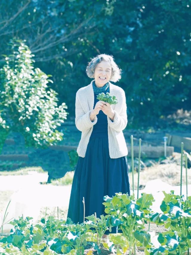 74岁日本奶奶走红 用态度证明老年人更要优雅