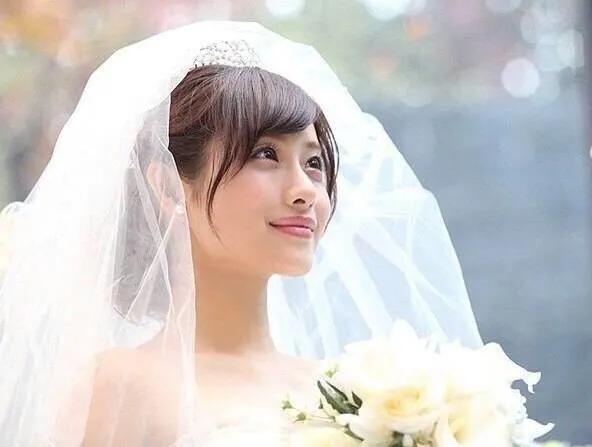 恭喜!33岁日本著名女星石原里美亲自宣布结婚,嫁同龄圈外男友