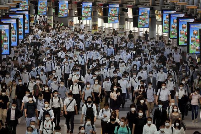3名日本人因违反防疫规定,被日本政府曝光姓名,遭网友人肉